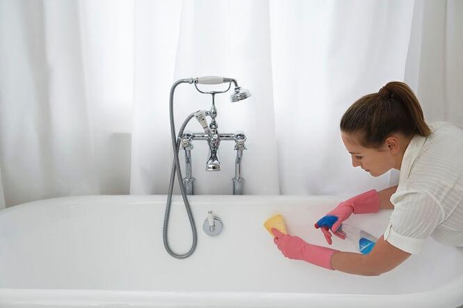 nettoyer maison laver les vitres