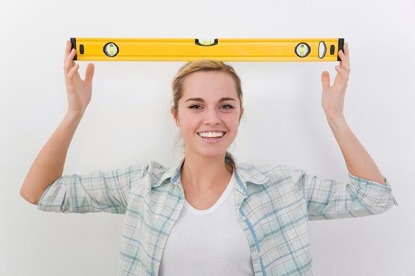 bricolage maison femme niveau